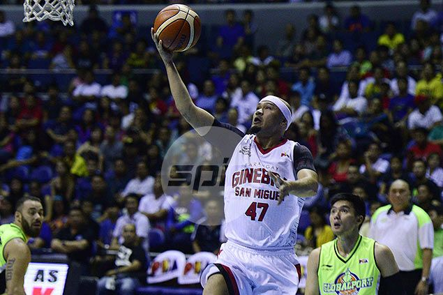 Mark Caguioa proves to Tim Cone he deserves to be there at crunch time