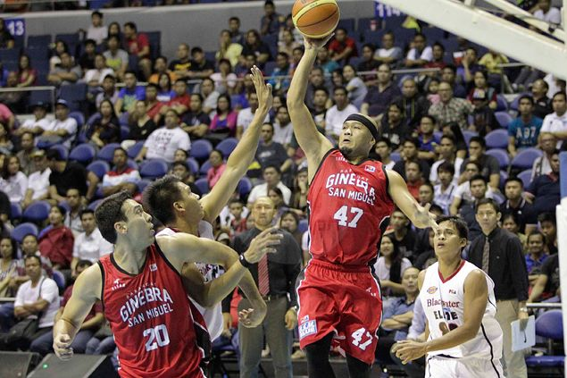 Mark Caguioa back in the groove to lead Ginebra past fighting Blackwater side