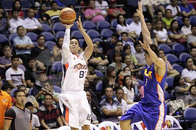 Mark Macapagal seizes opportunity as NLEX forgets about four-time three-point king