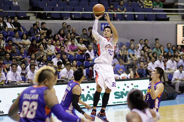 Super-sub Mark Macapagal provides spark as Meralco takes 1-0 lead over NLEX