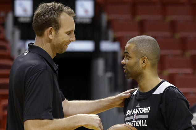 Brooklyn Nets bring in San Antonio's Sean Marks as new general manager