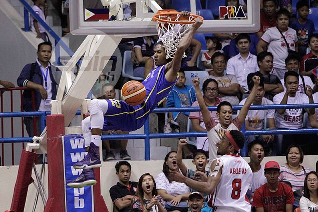 Talk 'N Text keeps composure to survive late-game scare from JVee Casio, Alaska