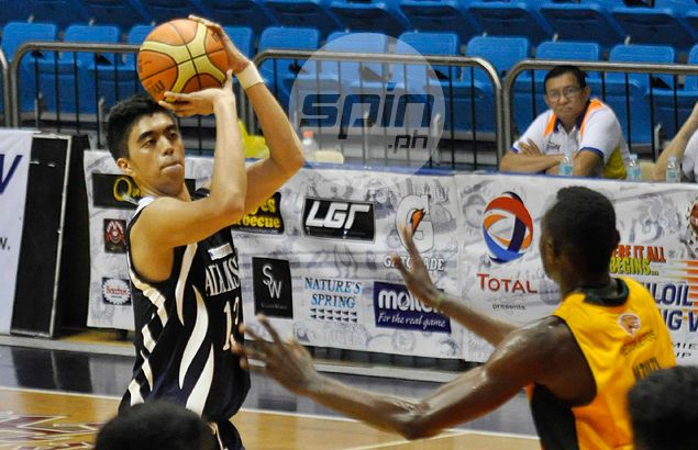 Matthew Aquino shows off weapon dad Marlou never had in Adamson Falcons' win over Jaguars