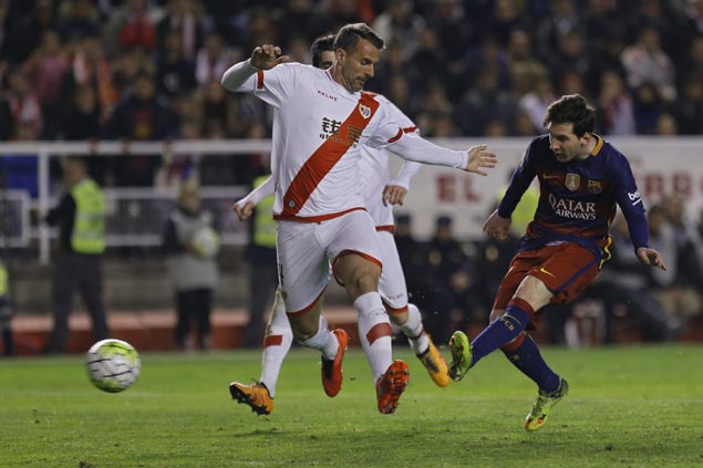 Barcelona breaks Real Madrid's 34-game unbeaten streak with win over Rayo Vallecano