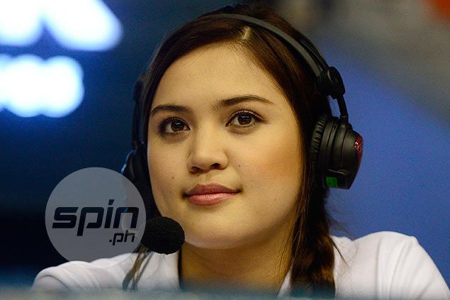 Hit from wayward ball not enough to cause on-cam Michele Gumabao to lose poise