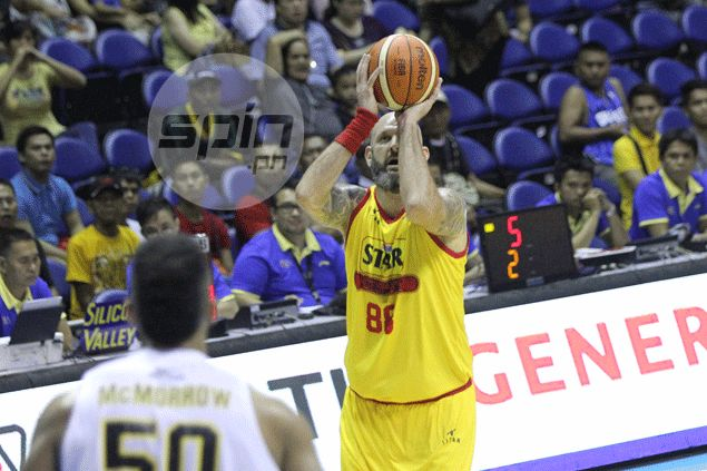 Star stays in hunt for twice-to-beat playoff place after lopsided win over Barako Bull