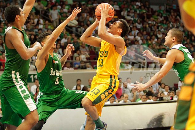 FEU Tamaraws pounce on late La Salle blunder to complete elims sweep of Archers