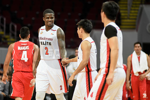 Blackwater takes on unfamiliar role of favorite in PBA match against falling Star