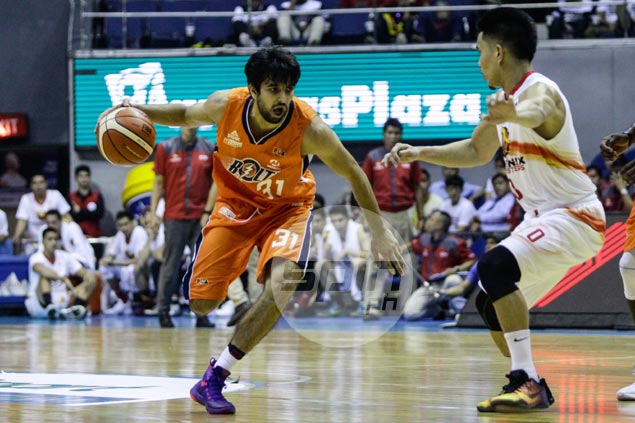 Mohammad Jamshidi loses luggage, but sets aside distraction to help Meralco get past Phoenix
