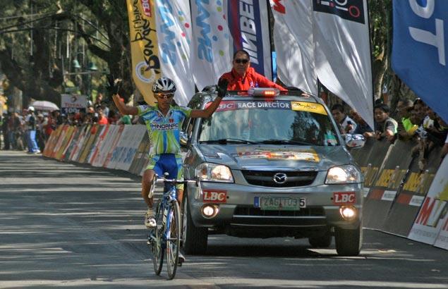 Brave Oranza survives Baguio crash to cling on to slim Ronda lead