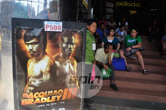 Despite criticism, Pinoy fans still turn out in droves to watch Pacquiao fight, perhaps for last time