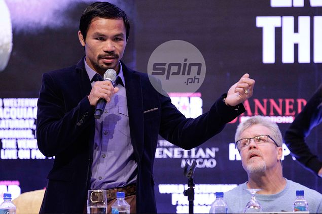 Pacquiao rates performance against Algieri a 7, but reserves best for Mayweather