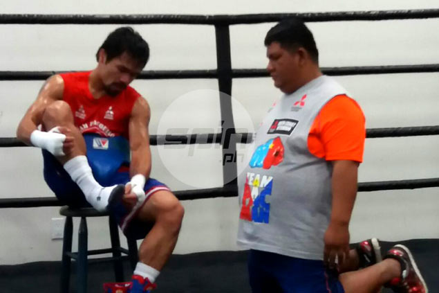 Freddie Roach won't be surprised if Manny Pacquiao uses Nike shoes for Bradley fight
