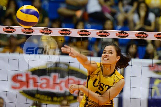 Major blow for UST Tigresses as Pam Lastimosa out for season with ACL injury