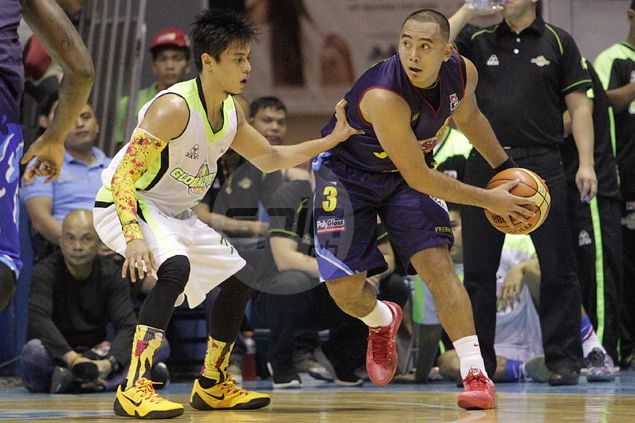 Paul Lee, Uyloan help Rain or Shine survive hail of late treys from GlobalPort's Terrence Romeo