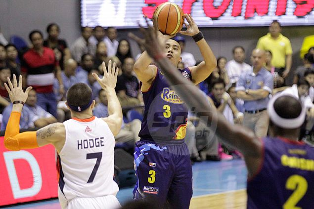 Rain or Shine runs Meralco to the ground to take 1-0 lead in PBA semifinal series