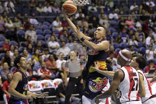 Paul Lee taking backseat to red-hot McKines, but ready to take over when necessary