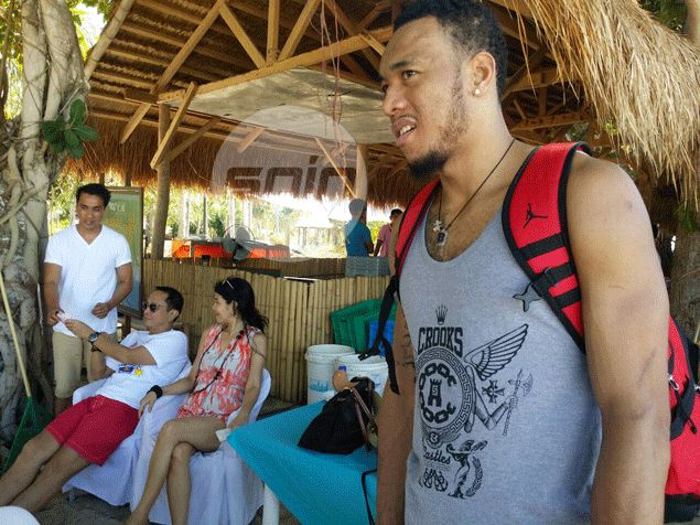 Calvin Abueva shrugs off MVP loss to North teammate Romeo: 'Okay lang, masaya na rin tayo'