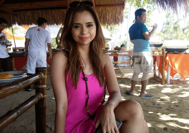 PBA courtside reporter and FHM model Rizza Diaz turns into a 'manang' during Lent