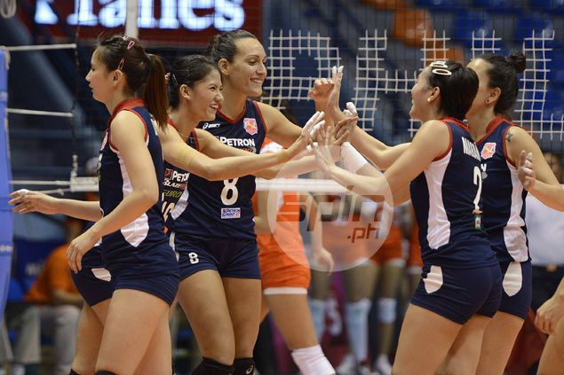 Petron evens record in Super Liga with straight-sets win over Meralco