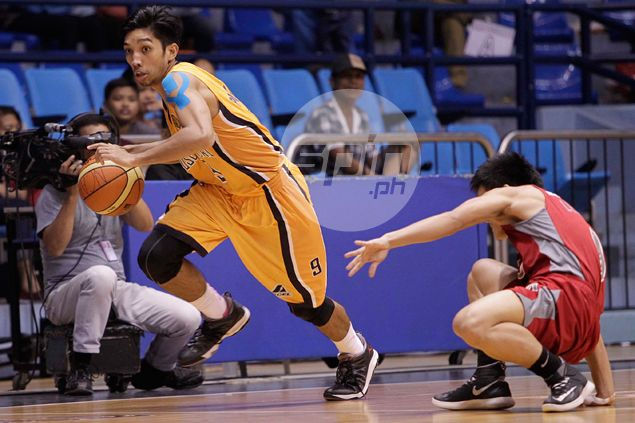 JRU Bombers flash defensive prowess to add to Lyceum Pirates' misery