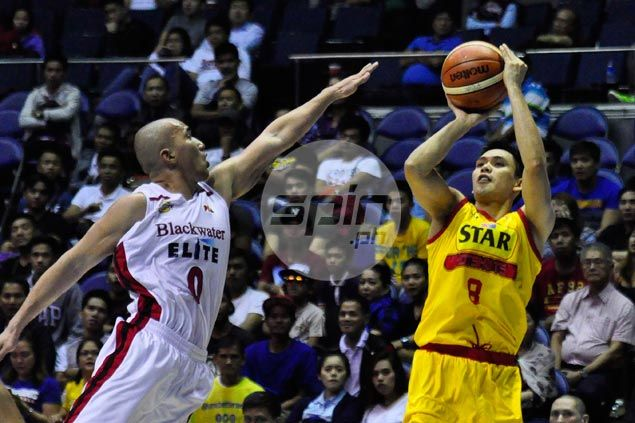 PJ Simon breaks out of slump as Star seals quarterfinal berth with win over Blackwater