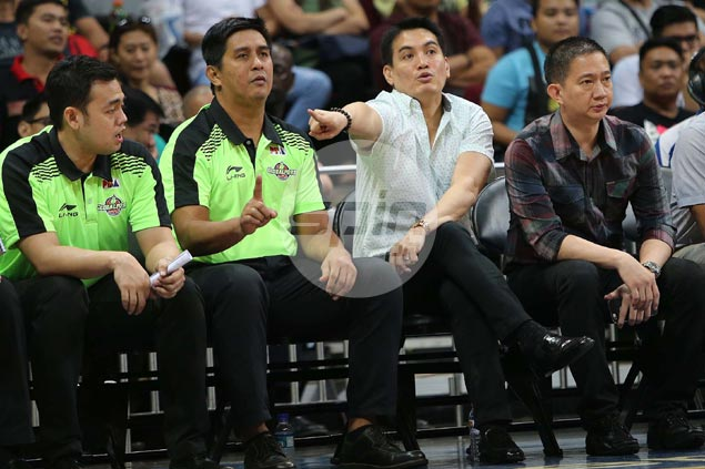 Franz Pumaren to coach Globalport in official capacity in season debut vs Mahindra