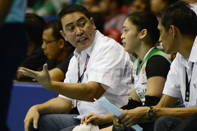 La Salle coach Ramil de Jesus wishes UP luck ahead of semis match against Ateneo