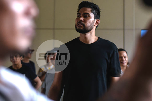 Meralco Bolts re-sign Ranidel de Ocampo to two-year contract