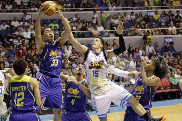 Ranidel De Ocampo's timely baskets help Talk 'N Text beat Purefoods in OT thriller