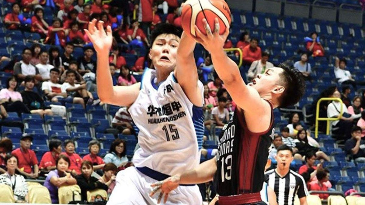 Manzo, Paras lead UP Maroons in rout of Huaqiao University ...