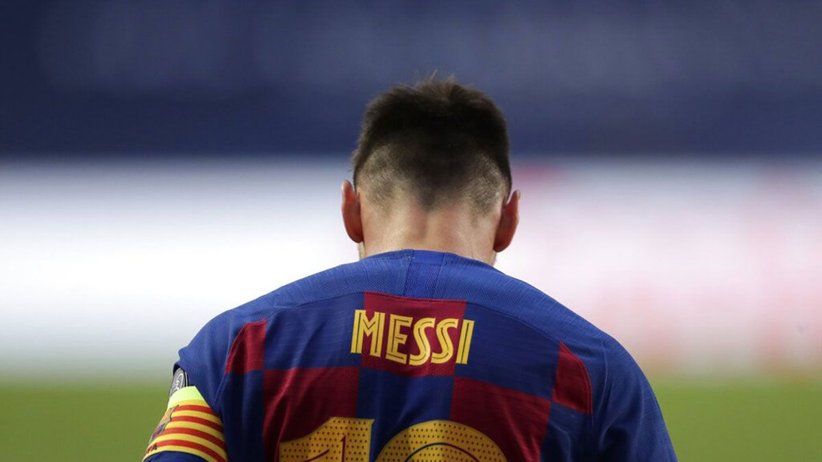 Lionel Messi leaving Barcelona, but club not ready to let ...