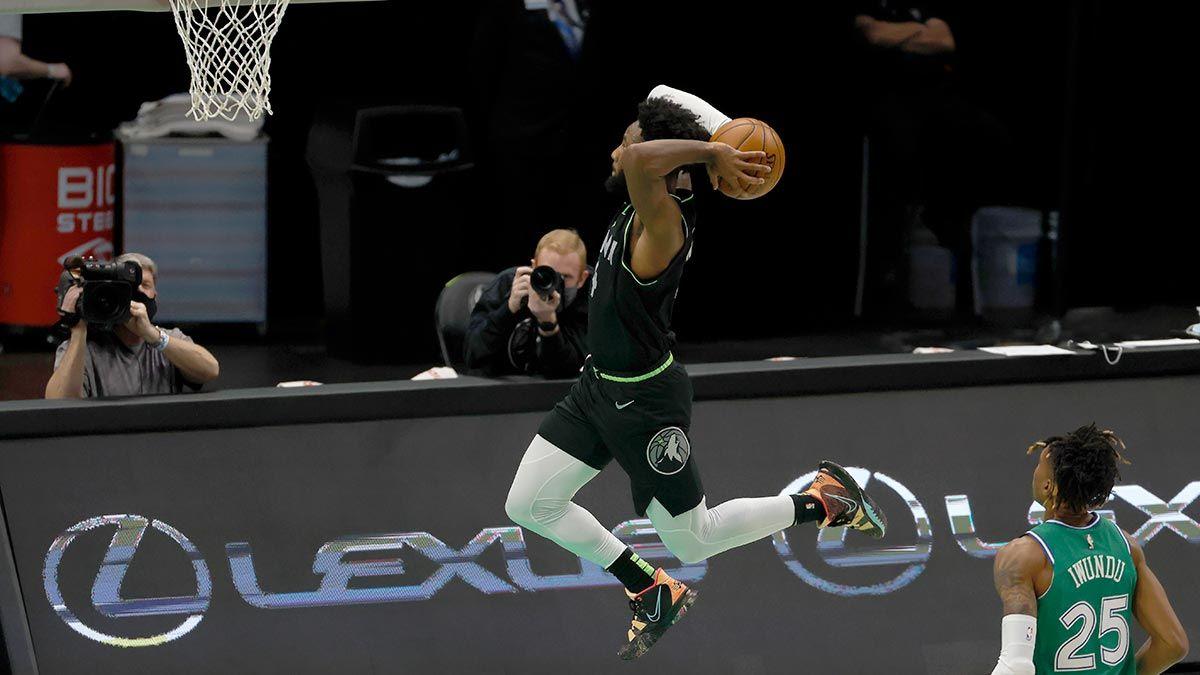 Jaylen Nowell with a breakaway dunk