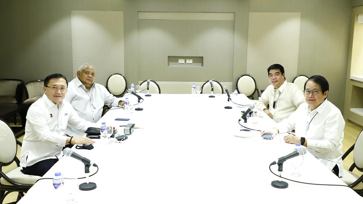 Bong Go, Salvador Medialdea, PBA Commissioner Willie Marcia, league Chairman Ricky Vargas meeting