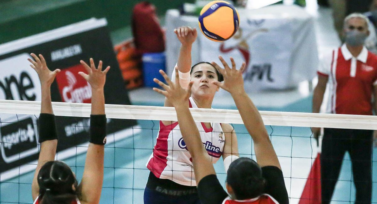 Michelle Gumabao playing for Creamline in PVL.