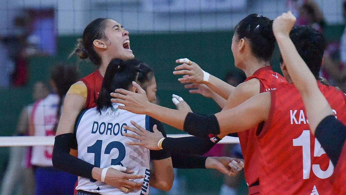 Santiago sisters Jaja Dindin Chery Tiggo vs Creamline celebration
