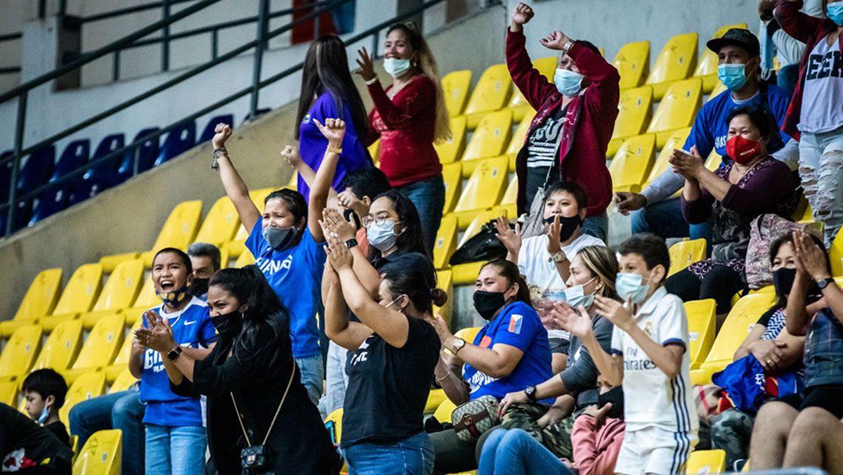 OFW Filipino fans in Jordan chereering Gilas Pilipinas Women