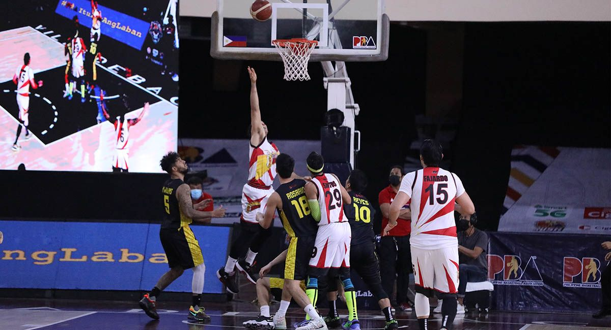 Marcio Lassiter hits the game winner for SMB against TNT.