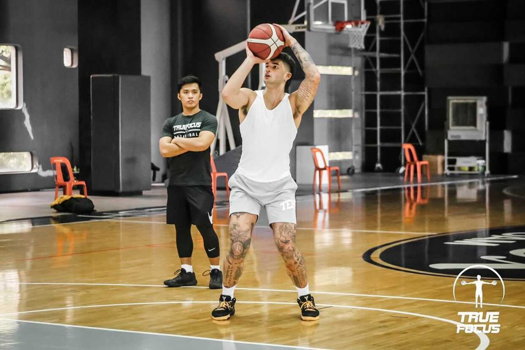 Trainer Jolo Tamayo of True Focus trains with Kobe Paras.