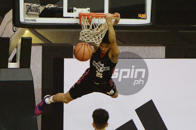 High-flying Ricci Rivero provides highlight to Slam Rising Stars Classic with two-handed slam
