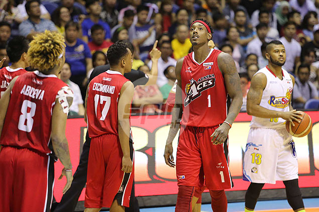 On his best offensive night in PBA, Rob Dozier left to rue a porous Alaska defense