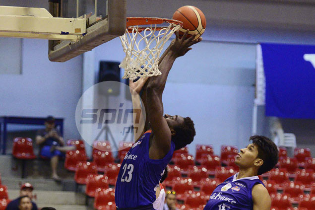 Rod Ebondo posts double-double in first half to carry error-prone Cafe France past Mindanao Aguilas