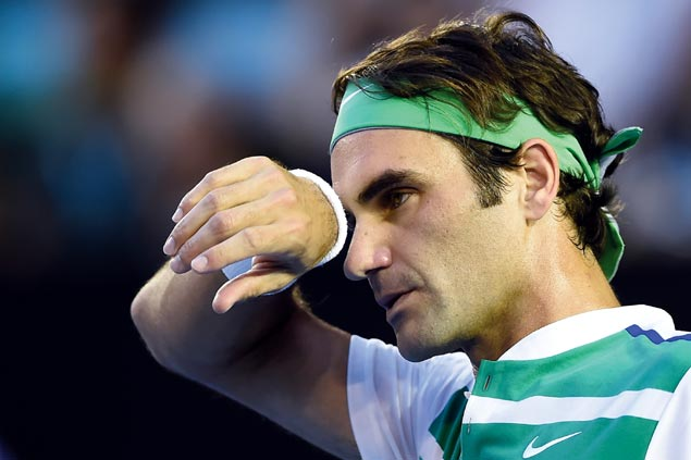 Roger Federer to miss first Grand Slam tournament since 1999 after pulling out of French Open