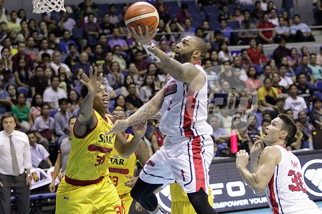 Alaska hands falling Star a fourth loss in a row as Travis, Casio clutch at crunchtime