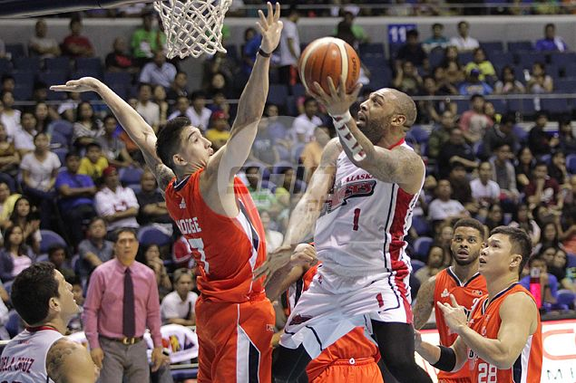 Alaska closes in on Top Four spot in PBA playoffs after ending Meralco's win run