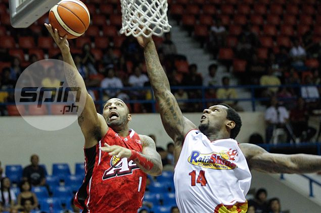 Alaska holds off Rain or Shine as JVee Casio foils last-gasp drive by Paul Lee