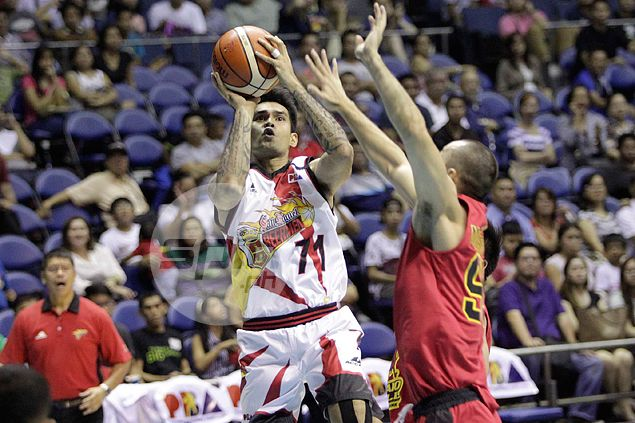Tubid, Reid to the rescue as San Miguel Beer hands Barako Bull first loss