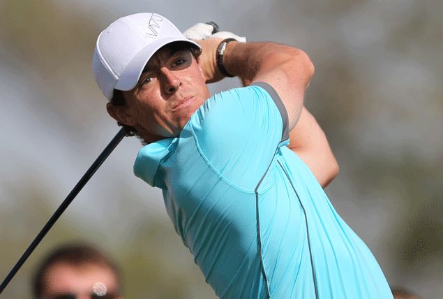 First competitive hole-in-one draws Rory McIlroy closer to Abu Dhabi leader