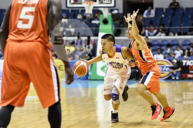 California kid Kris Rosales thrilled to hold own against 'the guy' Jimmy Alapag