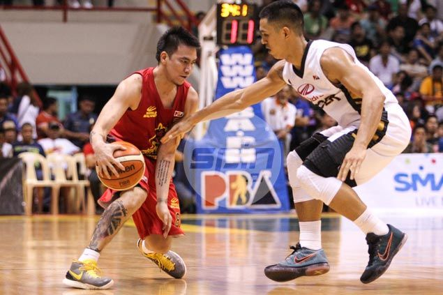 In-form Barako guard RR Garcia left to rue bad timing of dislocated shoulder injury